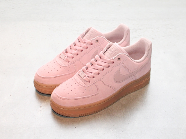 blogwmnsairforce1suedepink.jpg