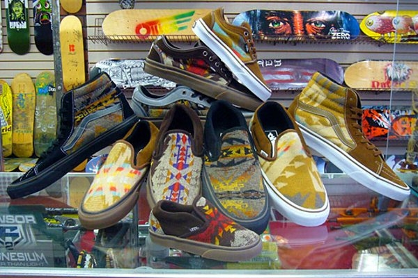 Pendleton-x-Vans-Sneakers-for-the-Nibwaakaawin-Chicago-Powwow-00.jpg