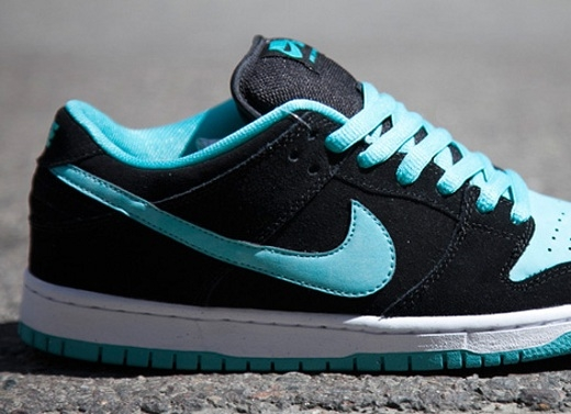 nike-sb-dunk-low-black-clear-jade-1.jpg